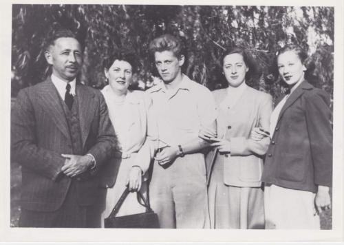 A black-and-white photograph of Byron Sisler and his family.